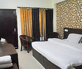 deluxe room booking dharamsala